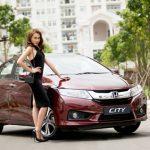 Siêu mẫu Việt Nam gợi cảm bên Honda City 2016